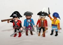 PLAYMOBIL LOT 4 PIRATES